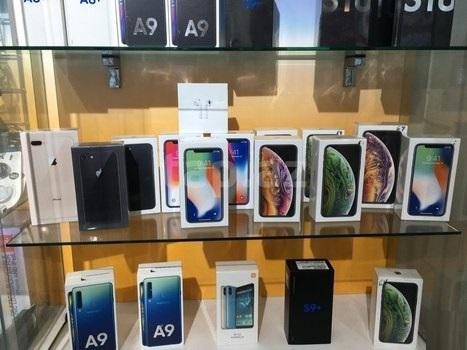WWW.FIRSTBUYDIRECT.COM Apple iPhone XS Max Samsung S10 Plus Huawei P30 Pro e altri 1
